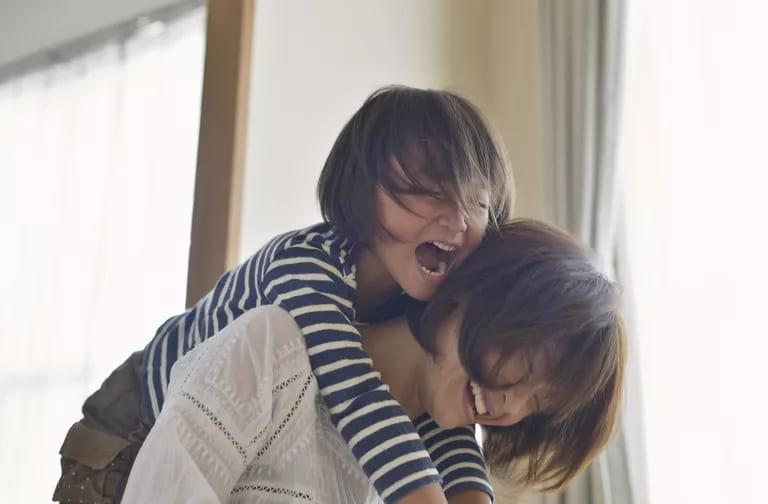 الاستمتاع ببهجة الأمومة|الأمومة قد تكون ضاغطة-ولكنها أيضًا مليئة بالمتعة- إليكِ نصائح في كيفية الاستمتاع ببهجة الأمومة؟
